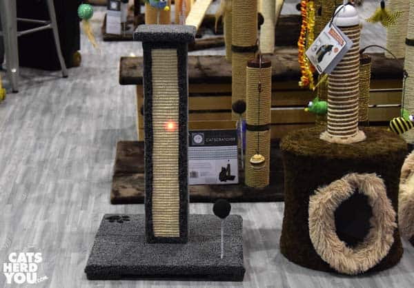 cat craft LED scratching post at Global Pet Expo 2016 #globalpetexpo