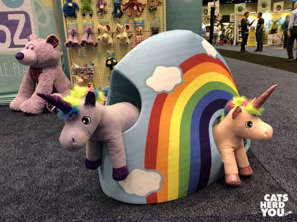 unicorns with rainbow